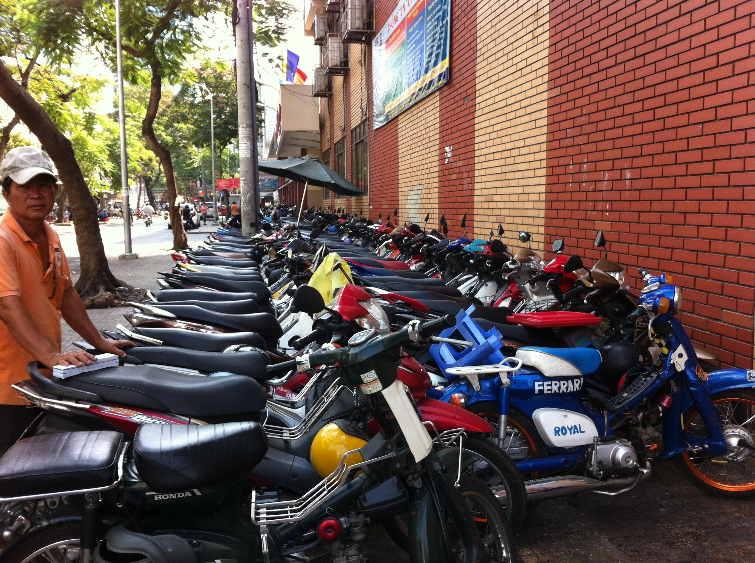Yvonderweg - Hallo Ho Chi Minh! - Motorbikes in Ho Chi Minh