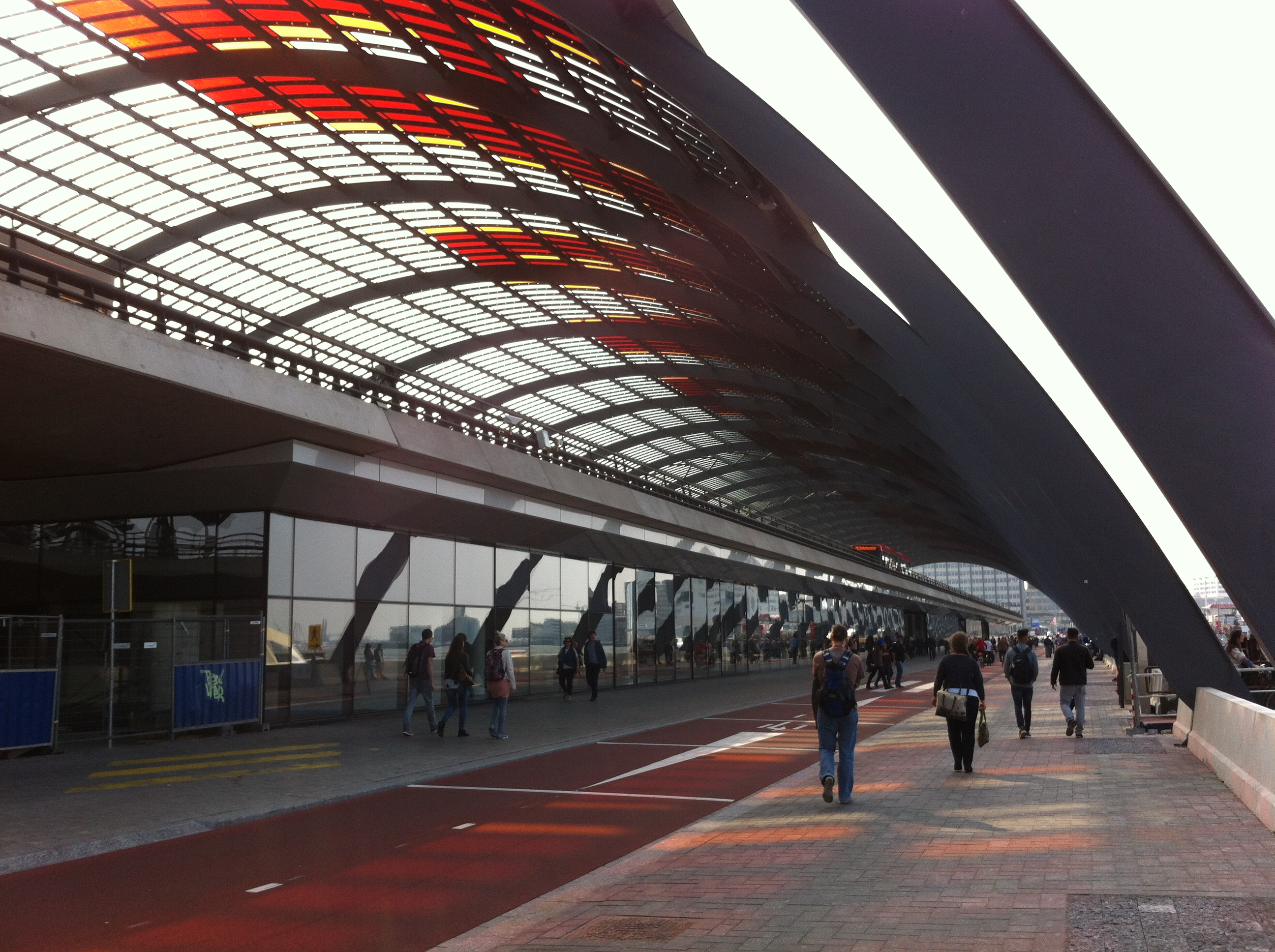 Achterzijde Amsterdam Centraal Station