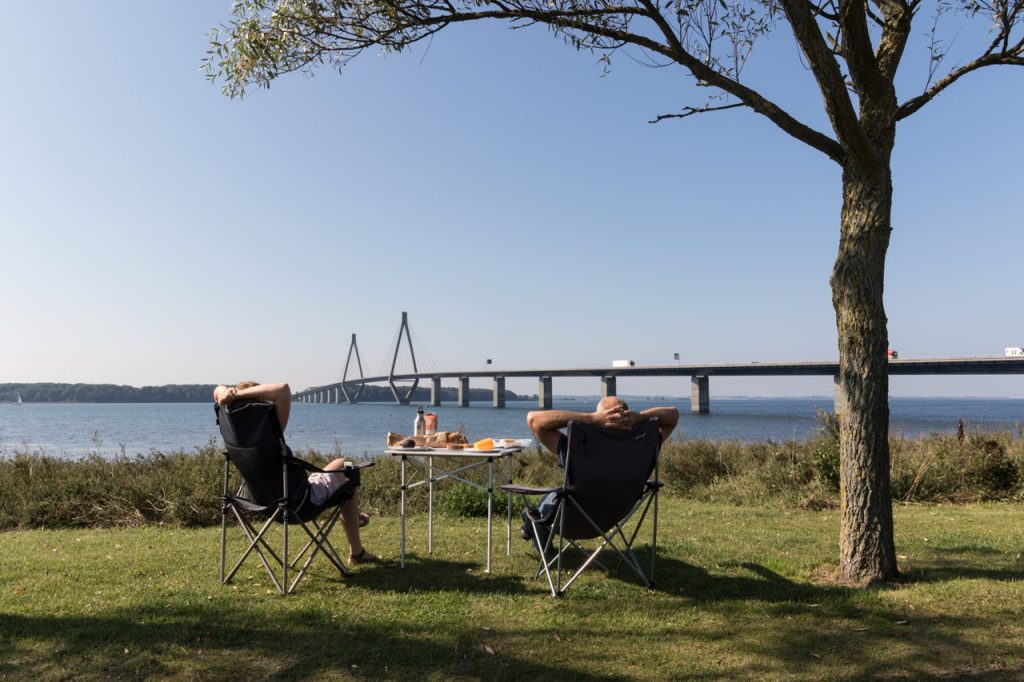 Lunch with a view bij de Faro Bridges.