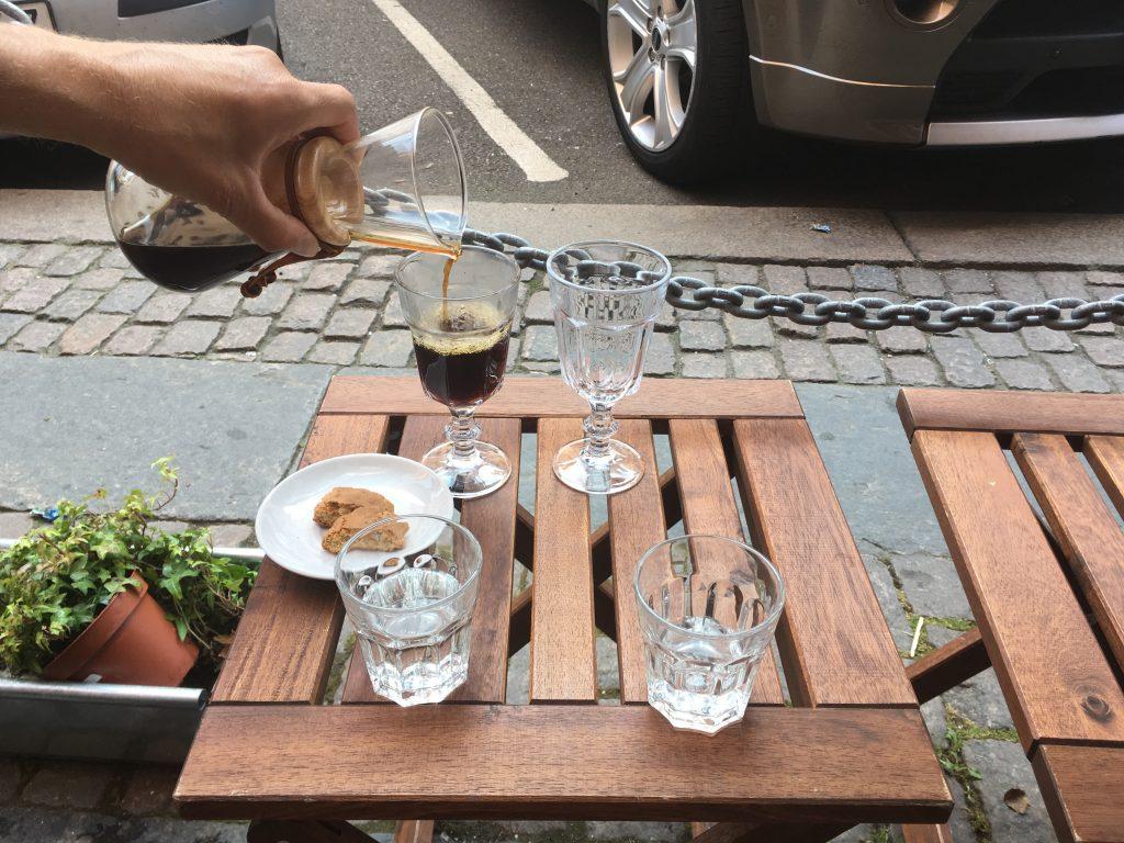 Koffie uit een chemtex proberen